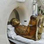 statua-bronzo-corpo-mummificato-tac