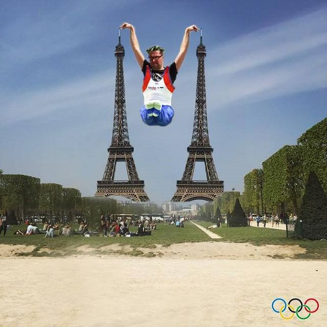 torre eiffel photoshoppata (1)